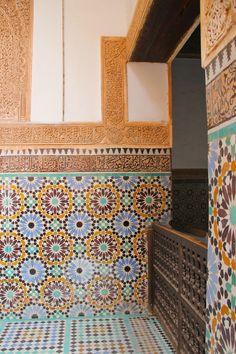 Notre voyage au Maroc : Marrakech #2 - la Medersa Ben Youssef et les Tombeaux Saâdiens | Merci pour le chocolat ! Casablanca, Youssef, Beautiful Places, Moroccan, Travel, Ideas, Sketching, Thanks, Chocolates