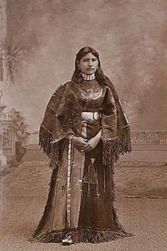 ARAPAHO WOMAN , circa 1890