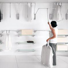 begehbarer kleiderschrank der traum jeder frau b geleisen integriert und kleiderschr nke. Black Bedroom Furniture Sets. Home Design Ideas
