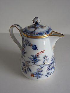 Antique Blue Onion Rich Meissen Porcelain Mocha Chocolate Coffee Pot Blue Swords