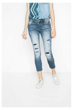 Jeans Slim Desigual. ¡Descubre la colección primavera-verano 2017!