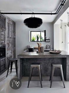 Diseño de Cocinas con Cemento Pulido. Me gusta mucho el detalle oscuro contrastado con el blanco