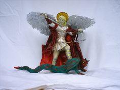 São Miguel e o Dragão do Mal- Papel Maché- Atelier Nivea Semprini