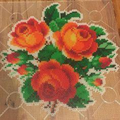 Roses hama beads by mijasdesign Bead Embroidery Patterns, Pearler Bead Patterns, Bead Loom Patterns, Perler Patterns, Pearler Beads, Flower Patterns, Beading Patterns, Modele Pixel Art, Pearl Crafts