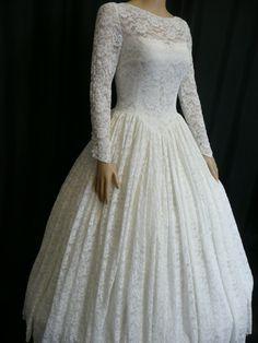 1950′s Lace Vintage Wedding Dress