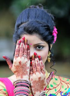 """Photo from album """"Engagement of Sneha & Akshay"""" posted by photographer Siddhesh Asolkar Beautiful Girl Body, Beautiful Blonde Girl, Beautiful Girl Image, Teen Girl Poses, Cute Girl Poses, Stylish Girl Images, Stylish Girl Pic, Pakistani Girls Pic, Indian Girls"""
