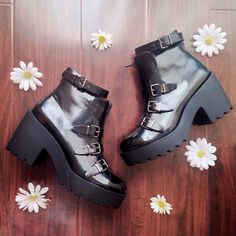 Jennifer from @fashion_for_breakfast with the #ShoeCult Axiom Boot || Get the boots: http://www.nastygal.com/sale/shoe-cult-axiom-boot--black?utm_source=pinterest&utm_medium=smm&utm_term=ngdib&utm_content=the_cult&utm_campaign=pinterest_nastygal