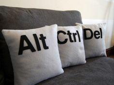 cuscini-di-ispirazione-tecnologica-2.jpg