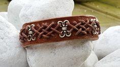 Celtisch gevlochten lederen armband.