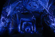 Fleuve Céleste - Julien Salaud - Un travail à la main, fragile et éphémère qui se déploie dans la cave telle une voûte stellaire.