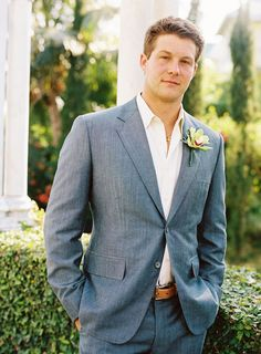 I like the casual, no tie, unbuttoned jacket look - groom
