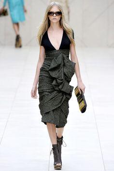 Burberry Prorsum Spring 2012 Ready-to-Wear Fashion Show - Cara Delevingne