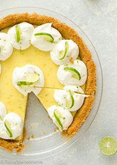 Easy Classic Key Lime Pie is creamy and bursting with fresh key lime flavor. This pie is so easy to make and it will have people raving every time! Key Lime Pie Cheesecake, Key Lime Filling, Key Lime Flavor, Moon Pies, Keylime Pie Recipe, Pie Flavors, Lime Recipes, Best Pie, Dessert Recipes