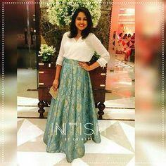 Lovelovelove! BossLady looking stunning in a Brocade Skirt with a White Blouse! #MinimalChic #Brocade #Banaras #ClassicGlamour #IntishbyChintya