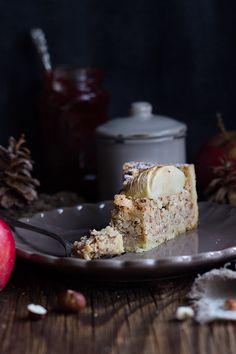 "Swiss Classis: ""Zürcher Pfarrhaustorte"" - a moist apple hazelnut cake. Single Layer Cakes, Flourless Cake, Hazelnut Cake, Recipe Collection, Coffee Cake, Let Them Eat Cake, No Bake Cake, Sweet Tooth, Cupcakes"