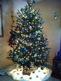 blue white pearl silver christmas tree decor