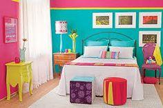 Resultado de imagem para quarto branco com detalhes coloridos