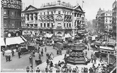 And this postcard shows a very busy Piccadilly Circus.