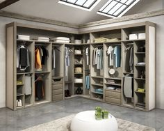 Busca imágenes de diseños de Vestidores y closets estilo moderno de TODOMADERA ESTEPONA. Encuentra las mejores fotos para inspirarte y crear el hogar de tus sueños.