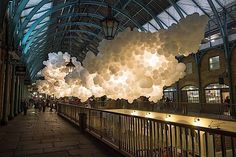 Die weiße Wolkendecke im Covent Garden Market | KlonBlog #balloons