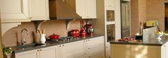 Cozinha Branca de Outros Ambientes de Adriana  Giacometti - Viva Decora