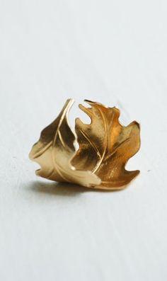 Golden LEAF Ring Romantic Vintage Style