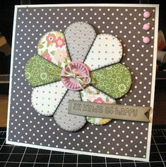 handmade quilt card from The Shamrock Stamper ... Dresden Plate flower piecing ...