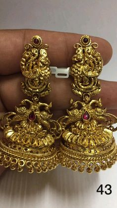 Gold Temple Jewellery, Fancy Jewellery, Gold Jewelry, Jewelry Design Earrings, Gold Earrings Designs, Buy Earrings, Gold Bangles Design, Gold Jewellery Design, Indian Jewelry Sets