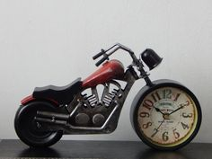 Daca esti in cautare de Cadouri de Lux - iti recomand Ceas Decorativ Motocicleta pentru pasionatii de motociclete  #incrediblepunctro #cadouri #cadou #motocicleta #cadouridelux #2roti The Incredibles, Motorcycle, Motorcycles, Motorbikes, Choppers