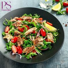 Smoked Mackerel Salad with tomato, chopped red onion, Ruccola on black plate. Whole 30 Recipes, Whole Food Recipes, Diet Recipes, Healthy Recipes, Whole30 Meal Delivery, Smoked Mackerel Salad, Runner Diet, Lunches And Dinners, Meals