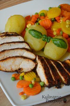 Dietetyczny obiad, czyli pieczona pierś kurczaka z warzywami - KulinarnePrzeboje.pl Ratatouille, French Toast, Food And Drink, Cooking, Breakfast, Ethnic Recipes, Dinners, Diet, Food