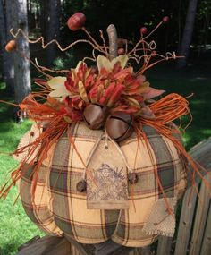 Primitive Folk Art Thanksgiving Halloween Pumpkin Owl Pillow from Old Quilt Autumn Crafts, Thanksgiving Crafts, Holiday Crafts, Fabric Pumpkins, Fall Pumpkins, Fall Halloween, Halloween Crafts, Halloween Scarecrow, Primitive Fall