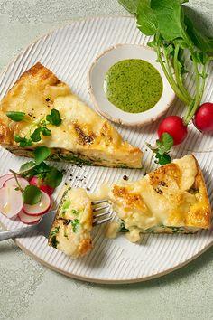 Dieses Omelett-Rezept ist einfach, schnell, aber sieht super dekadent aus! Jetzt gleich nachmachen - entdecke das Rezept auf ich-liebe-kaese.at! Edamame, Frittata, Vinaigrette, Zucchini, Avocado Toast, Breakfast, Food, Spinach Salads, Savory Breakfast