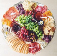 Love this cheese platter presentation for a big group