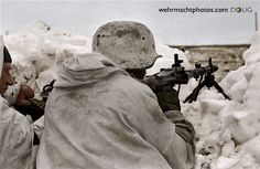 [OS] Wehrmacht machine gunner with in the Eastern Front snow x German Soldiers Ww2, German Army, Luftwaffe, Eastern Front Ww2, Mg34, War Photography, The Third Reich, Total War, Waterfalls