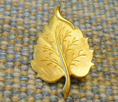 Brass Curved LEAF Pin Brooch / Tie Tack  Unisex by AmySueCrafts, $6.49