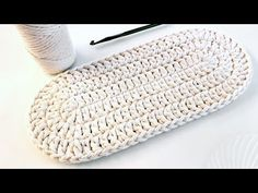 Crochet Oval Base - Crochet Tutorial - Base For Oval Basket - Base For Bo . Crochet Basket Pattern, Crochet Tote, Crochet Handbags, Crochet Purses, Crochet Slippers, Crochet Stitches, Free Crochet, Knit Crochet, Knitting Patterns