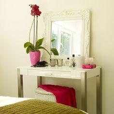 Make-up station 3... cute mirror idea
