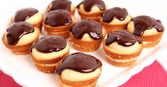 Slávne bostonské krémové cupcakes - Recept, ktorý musíte vyskúšať aj vy! Sú dezertom na mnohých oslavách a piknikoch. Chutné koláčiky plnené krémom. Postup