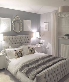 Silver bedroom decor, master bedroom grey, grey and white room, grey room d Grey Bedroom Design, Silver Bedroom Decor, Silver And Grey Bedroom, Bed Design, Silver Room, Silver Bedding, Design Set, House Design, Grey Room