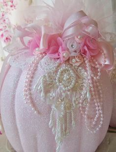 chic For the love of Romantic living. A love affair of Shabby Chic trash to treasure projects. I adore old chippy, crusty vintage furniture Rose Shabby Chic, Shabby Chic Fall, Shabby Chic Crafts, Shabby Chic Homes, Shabby Chic Style, Shabby Chic Decor, Shabby Chic Pumpkins, Pink Pumpkins, Fabric Pumpkins