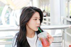 Seolhyun Reveals Her Secret To Maintaining Her Flawless Visuals - Koreaboo Seolhyun, Kpop Girl Groups, Kpop Girls, Korean Beauty, Asian Beauty, Jimin, Kim Seol Hyun, Chaeyoung Twice, Girl Bands