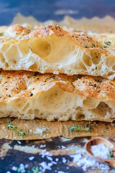 Focaccia - Another! Healthy Cookie Recipes, Easy Bread Recipes, Healthy Cookies, Dog Food Recipes, Cook Corn In Microwave, Bun's Burger, Pain Ciabatta, Focaccia Pizza, Kneading Dough