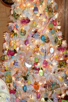 DEBBIE-DABBLE: Living Room Easter Tree 2013