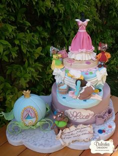 Cinderella Cake - Over 30 Awesome Cake Ideas! Crazy Cakes, Fancy Cakes, Cute Cakes, Yummy Cakes, Gorgeous Cakes, Amazing Cakes, Bolo Artificial, Cinderella Birthday, Disney Cakes