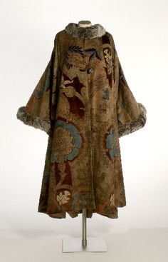 Mariano Fortuny c. 1930. @Deidra Brocké Wallace. Coat. Pattern based on Ottoman motifs.
