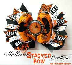Halloween Stacked Boutique Bow by The Ribbon Retreat Ribbon Hair Bows, Diy Hair Bows, Diy Bow, Halloween Hair Bows, Spooky Halloween, Halloween Party, Ribbon Retreat, Hair Bow Tutorial, Flower Tutorial