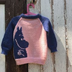 Once upon a time – long before I moved to Berlin, before I met the man and had the son – I lived in an apartment in Germany's former capital. Intarsia Knitting, Hand Knitting Yarn, Sweater Knitting Patterns, Knit Patterns, Yarn Spinner, Tove Jansson, Yarn Ball, Moomin, What To Make