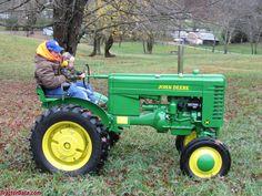 Fix John Deere Tractors 728809152181969040 - John Deere model M, right side. Source by Small Tractors, Compact Tractors, John Deere Garden Tractors, Toyota 4runner, Tacoma Toyota, Tractor Photos, Welding Rigs, Jeep Truck, Car Wheels