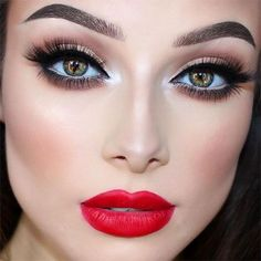 Christmas Party Makeup Ideas for Girls and Women 2016 - Beste Bilden Ideen - Christmas Makeup Look, Party Makeup Looks, High Fashion Makeup, Naked Palette, Workout Hairstyles, Makeup For Brown Eyes, Girls Makeup, How To Apply Makeup, Simple Makeup